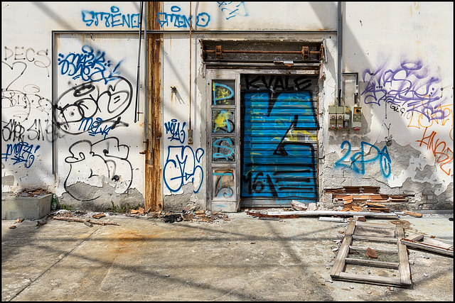 Abandoned Trieste - the past is blue