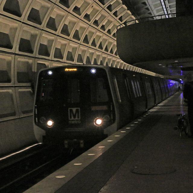 The train in the tunnel (Explored)