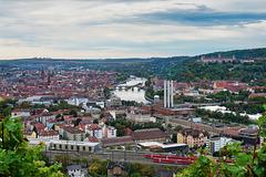 Würzburg, eine Großstadt am Main  - Würzburg, a city on the River Main - mit Notizen