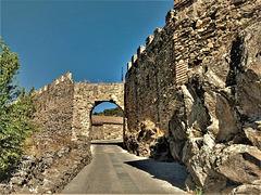 Buitrago de Lozoya, old walls and gateway.