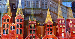 """a look in the window of the famous Factory """"Niederegger Marzipan"""" in  Lübeck"""
