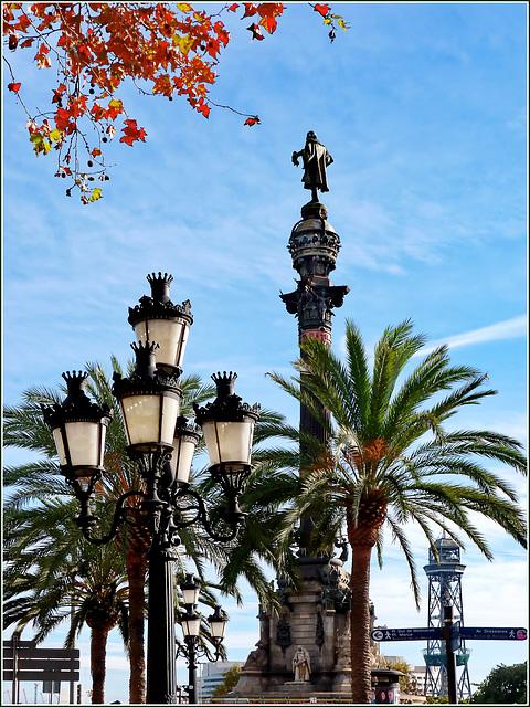 Barcellona : Statua di Cristoforo Colombo davanti al porto e all'inizio della Rambla
