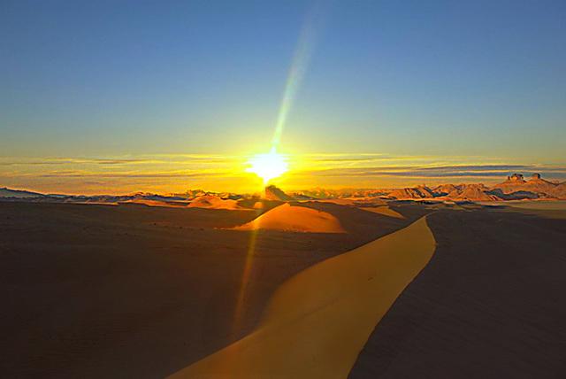 Couchant au Sahara 2