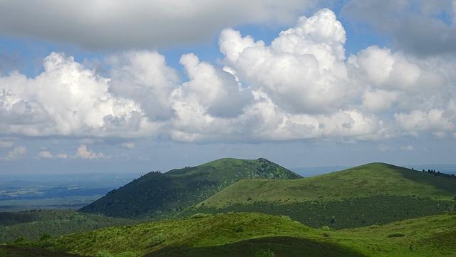 vulcanos & clouds