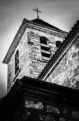 Le clocher de l'eglise de St. Genies-de-Fontedit