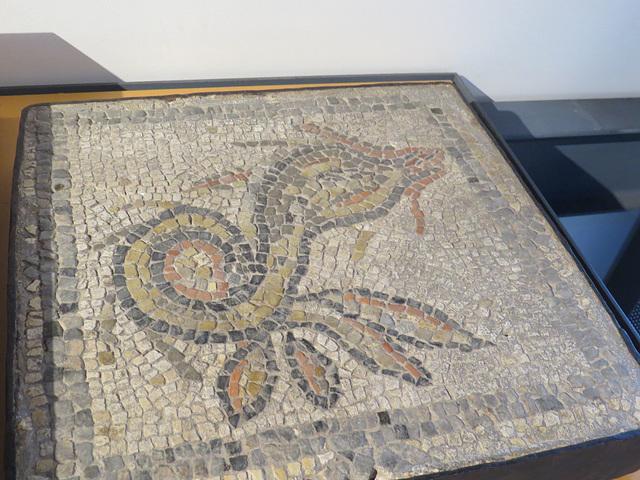 Jublains : décor de mosaïque.