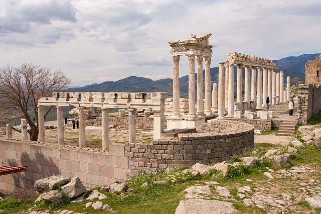 Pergamon - Trajaneum DSC03768