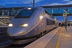 LES AUXONS: Gares BESANCON Franche-Comté: Départ du TGV 6834 pour Marseille.