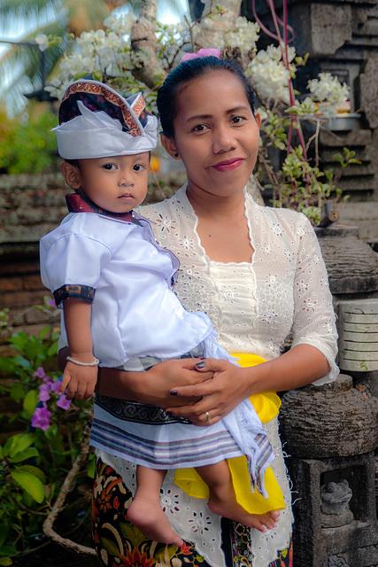 Mayang and her son I Gusti Agung Mayun Jaya Santosa
