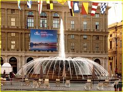 Genova : Piazza De Ferrari pronta a ricevere migliaia di persone ! - (949)