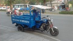 Blue vehicle / Se transporter tout en bleu