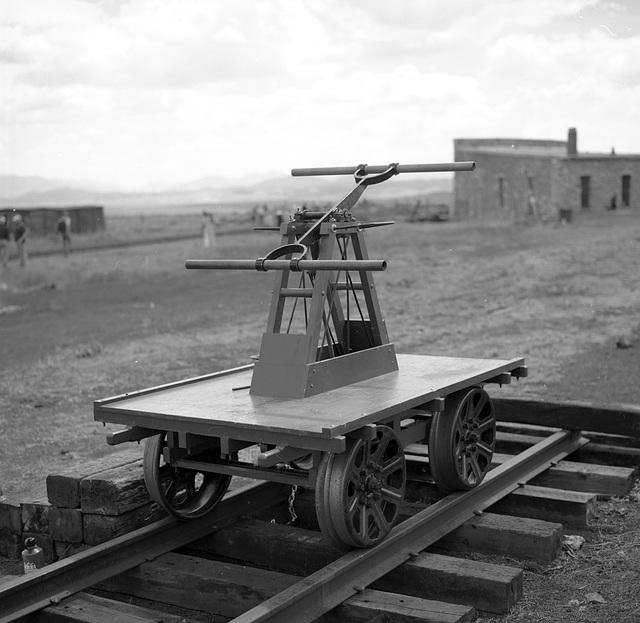 3' gauge handcar
