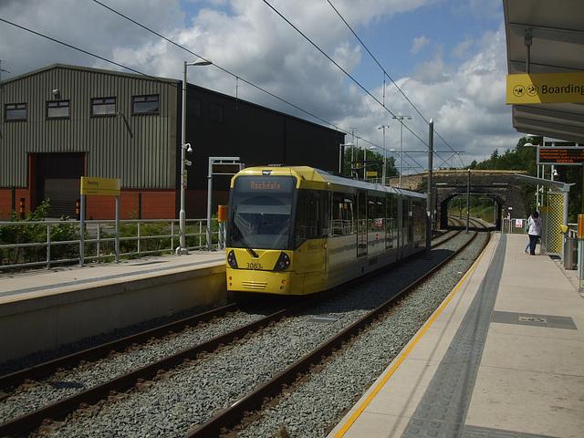 DSCF0460 Manchester Metrolink car set  3083 at Newhey - 4 Jul 2016