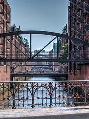 Bridgescape / Brückenlandschaft - HFF (090°)