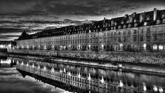 BESANCON: Le quai Vauban 06.