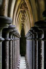 Säulen im Kreuzgang der Abtei