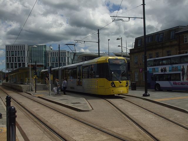 DSCF0493 Manchester Metrolink car set 3080 in Rochdale -  4 Jul 2016