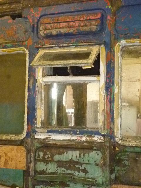 NER 7cmpt - kitchen window