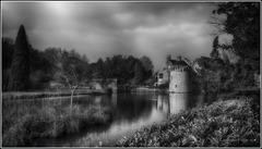 Scotney Castle Mono