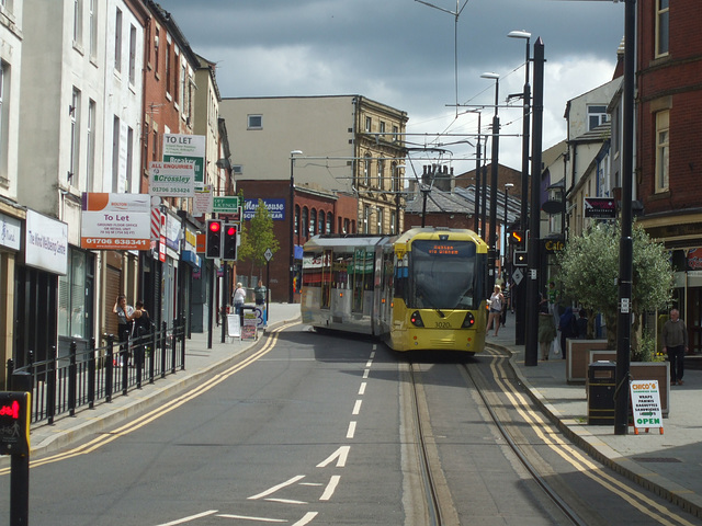 DSCF0526 Manchester Metrolink car set 3020 in Rochdale -  4 Jul 2016