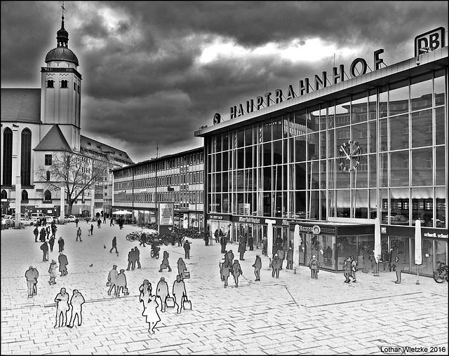 Dunkle Wolken über dem Kölner Bahnhofsvorplatz...