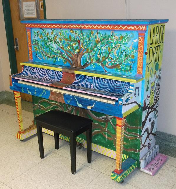 La Ruche d'Art ou le piano enchanté....