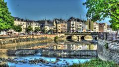 BELFORT: La place Corbis, le pont Carnot.