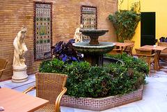 ES - Sevilla - Innenhof im Hotel Corregidor