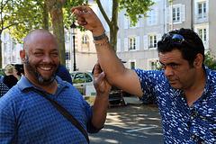 Deux joyeux lurons aux puces d'Orléans