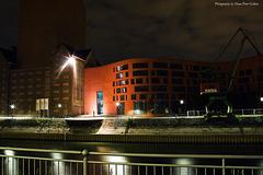 Innenhafen Duisburg bei Nacht