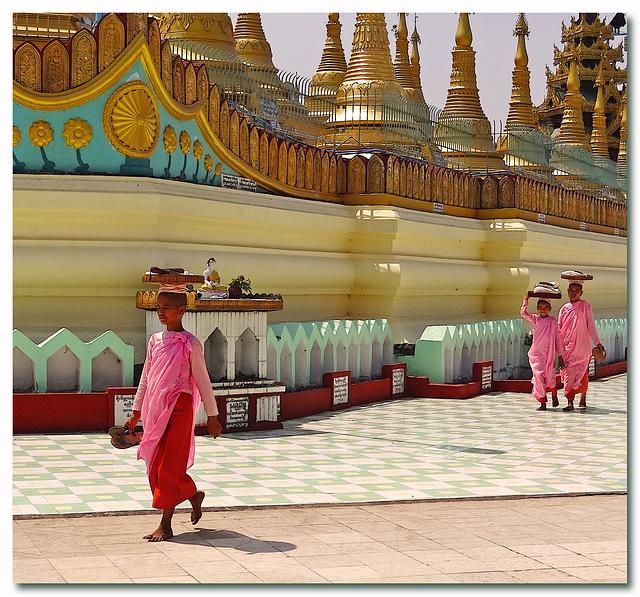 Shwemawdaw Temple Complex