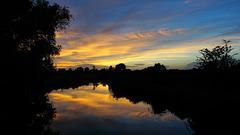 Kleiner Fluss am Abend