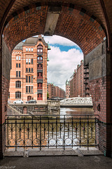 In Hamburg's Warehouse District- In der Speicherstadt (060°)