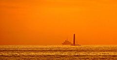 au coucher du soleil sur la mer