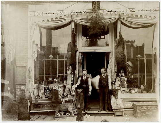 PMB043 W.F. WHITE'S TAXIDERMY MUSEUM - FRONT VIEW