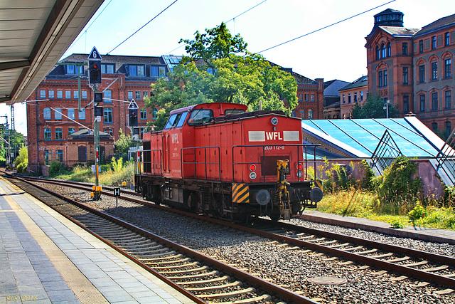 Diesellok V 100 (WFL 203 112-8) am Schweriner Hauptbahnhof