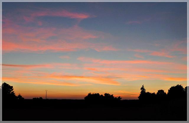 Coucher de soleil sur la campagne aux bords de Rance