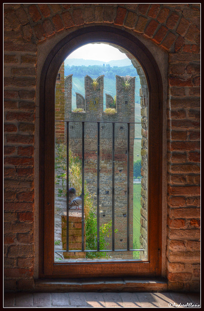 Finestra della Rocca, Castell'Arquato