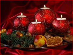 ** Que ce jour vous soit délicieux entourés de ceux que vous aimez ; joyeux noël  à vous tous