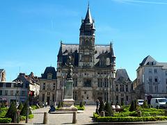 l'Hôtel de ville  - Compiègne -
