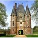 Cinq siècles d'histoire - pavillon d'entrée de Carrouges