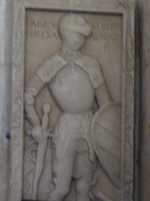 Gisant du chevalier Nicolas Albert.
