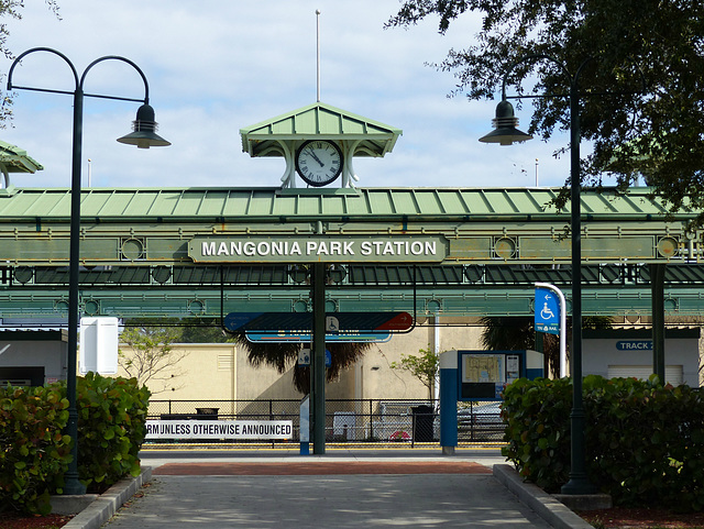 Mangonia Park Station - 25 January 2016