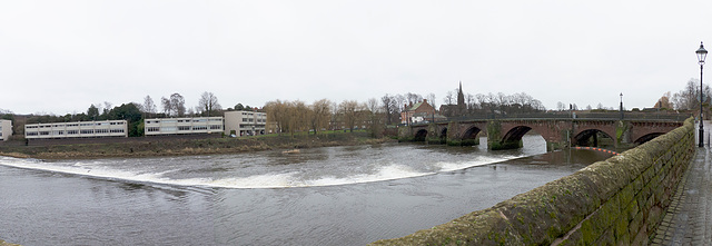 Panorama of the weir and Old Dee Bridge, Chester