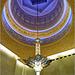 Oggetti appesi : un raffinato lampadario nella moskea di Abu Dhabi