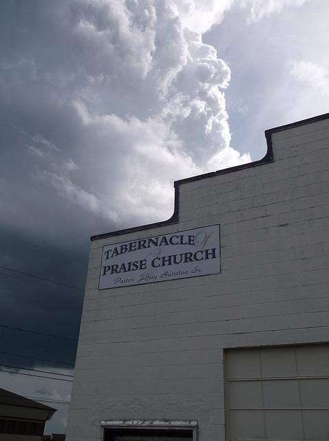 Cloudy preaching / Prêcher dans les nuages
