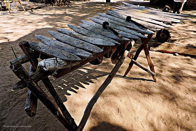 simply wooden Xylophone (Botswana)