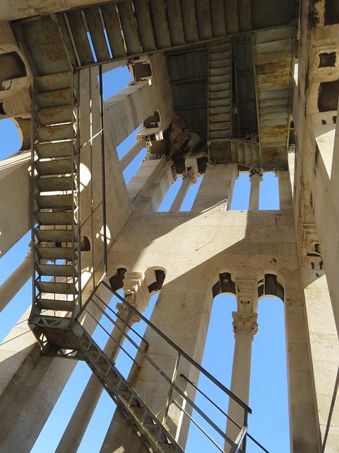 En montant au clocher de la cathédrale.