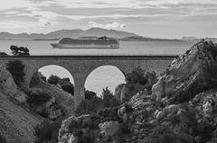 Dans la rade de Marseille.