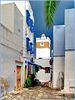 Hammamet : un angolo della Médina, una bottega e la moskea Kabir